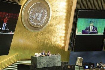 联大主席莱恰克在第72届联大闭幕式上致辞。