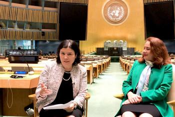 Presidente da Assembleia Geral, Maria Fernanda Espinosa, com Monica Grayley, da ONU News.