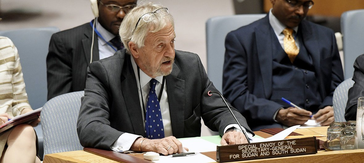 Nicholas Haysom, the Secretary General's Special Envoy for Sudan and South Sudan, addresses the Security Council meeting on 26 October 2017.