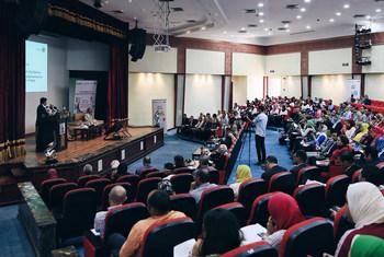 أشرف صبحي وزير الشباب في مصر يعرض  مشاركة الوزارة في مشروع مشواري