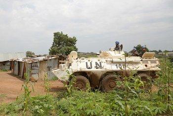 Walinda amani wakishika doria  kuwalinda raia mjini Juba,Sudan Kusini.