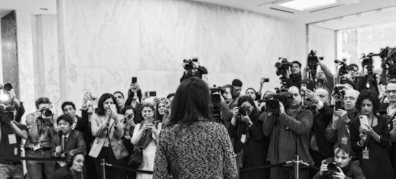 美国常驻联合国代表黑利,走马上任时接受媒体采访。