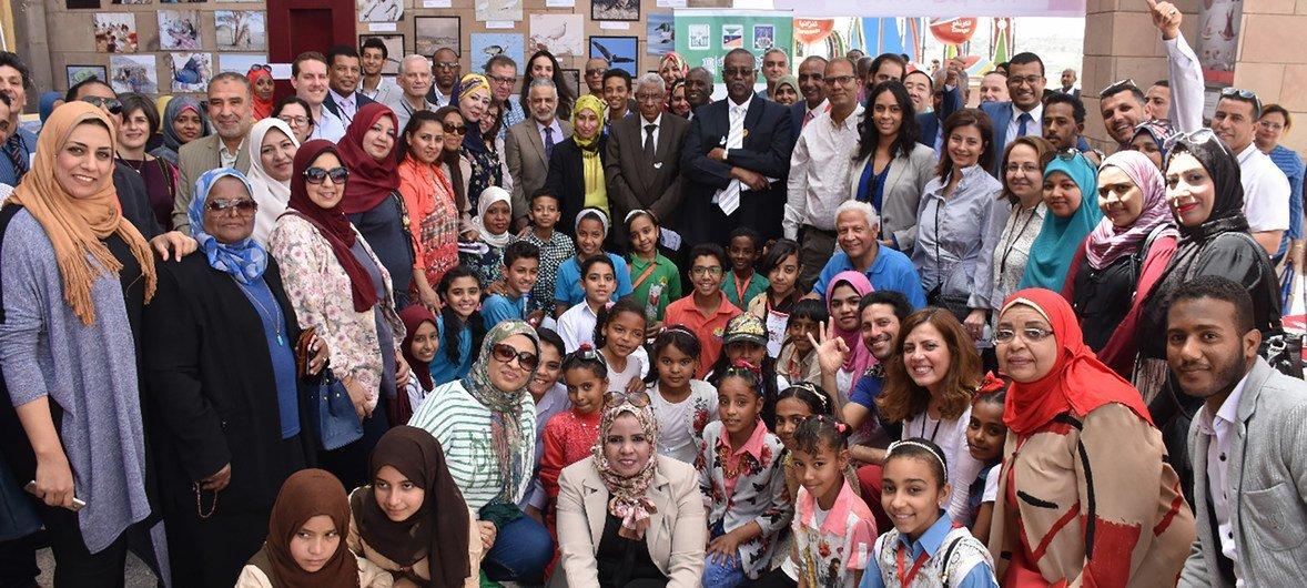 طلاب إحدى المدارس في محافظة أسوان التي التحقت رسميا بعضوية شبكة اليونسكو العالمية لمدن التعلم