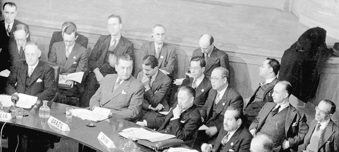 أول اجتماع للجمعية العامة في 10 كانون الثاني/يناير 1946 في لندن، بريطانيا. في هذه الجلسة اجتمع مجلس الأمن لأول مرة.