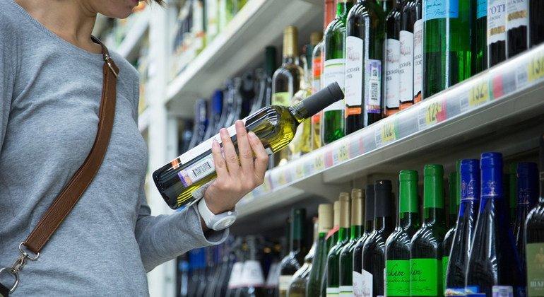 Более 740 тысяч новых случаев рака в прошлом году было связано с употреблением алкоголя.