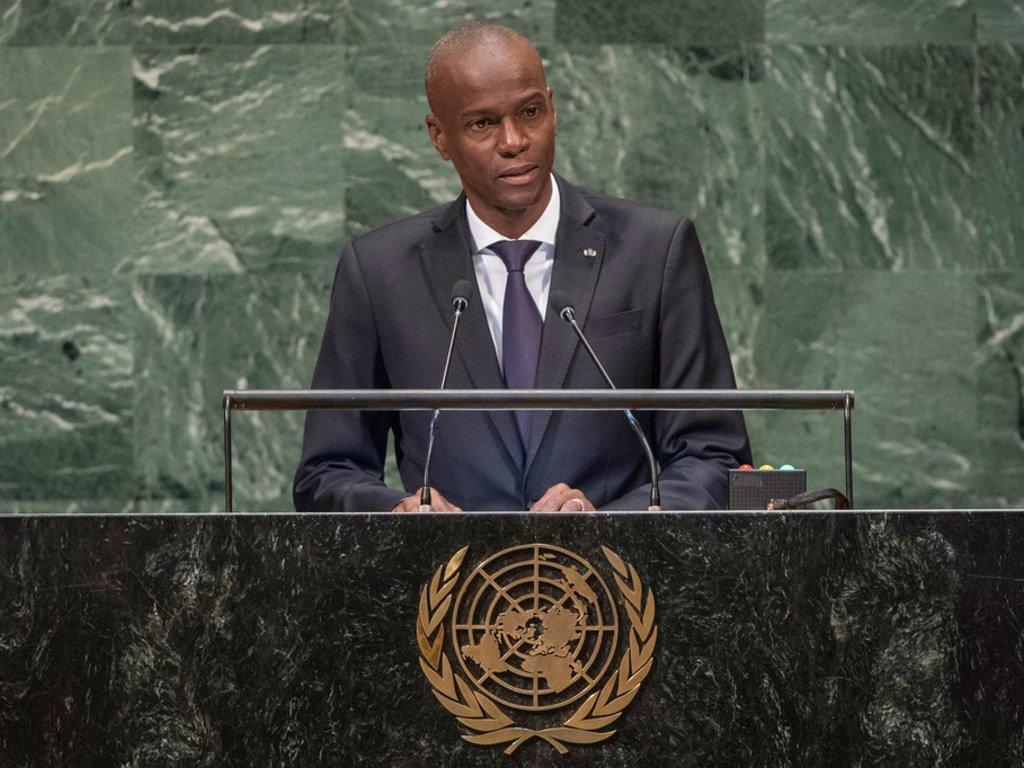 من الأرشيف: رئيس هايتي الراحل، جوفينيل مويز، يلقي كلمة أمام الدورة الثالثة والسبعين للجمعية العامة للأمم المتحدة في عام 2018.