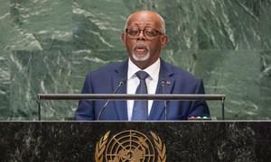 Le Ministre des affaires étrangères du Cameroun Lejeune Mbella Mbella devant l'Assemblée générale des Nations Unies.