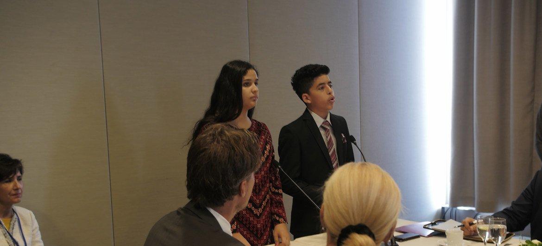أسيل وأحمد، طالبان من الأونروا مشاركان في فعاليات مداولات الجمعية العامة.