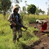 2018年3月,联合国刚果民主共和国稳定团女性成员在刚果(金)东部北基伍省的贝尼巡逻。