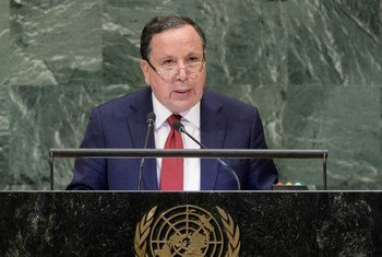 Le Ministre tunisien des affaires étrangères, Khemais Jhinaou, devant l'Assemblée générale des Nations Unies.