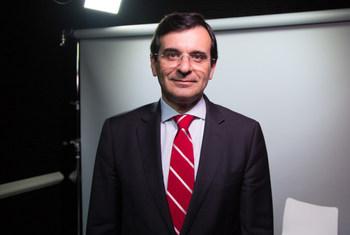 O Ministro da Saúde de Portugal, Adalberto Campos Fernandes, na sede das Nações Unidas, em Nova Iorque.