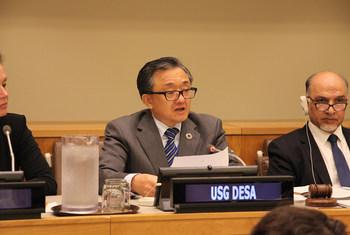 负责经济和社会事务的副秘书长刘振民在新一届联大的第三委员会会议开幕式上致辞。