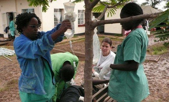 Trabalhadores da área de saúde na capital do Zimbabué