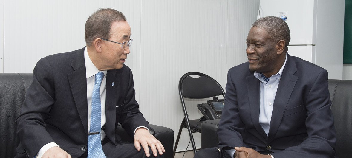Secretary-General Ban Ki-moon (left) meets with Dr. Mukwege during a February 2016 visit to the Democratic Republic of the Congo.