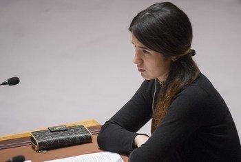 Nadia Murad, la joven iraquí secuestrada y violada por miembros del Estado Islámico, durnte su intervención ante el Consejo de Seguridad de la ONU en diciembre de 2015