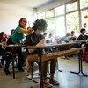 В рамках программы, которая осуществляется в одной из школ Косово при поддержке ЮНИСЕФ, страшеклассники учатся противостоять травле.
