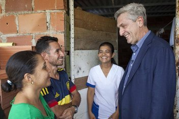 The High Commissioner Filippo Grandi visiting Venezuelans family at the Community of Manuel Beltran, Las Delicias, Cúcuta who have been received and hosted by Colombian IDP families.