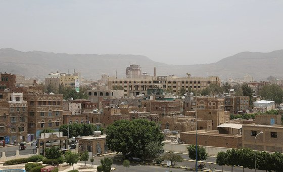 Combatentes da oposição houthi controlam a capital, Sanaa, e outros locais importantes do Iêmen.