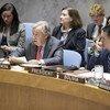 秘书长古特雷斯(中)在安理会有关妇女、和平与安全的会议发表讲话。
