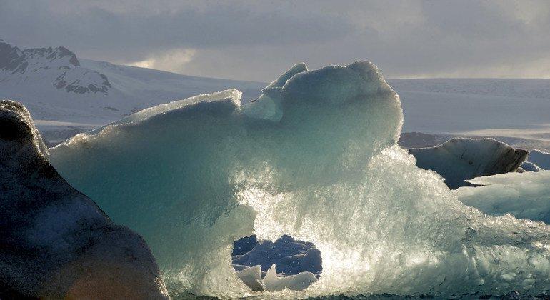 Процесс таяния арктических людов значительно ускорился в последнее время