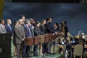 Colecta de papeletas para la elección de los miembros del Consejo de Derechos Humanos en la Asamblea General el 12 de octubre de 2018.