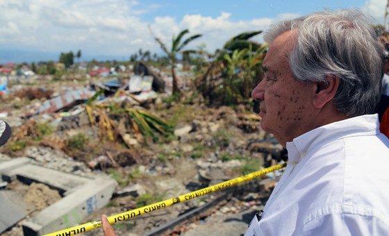 António Guterres  visitou as zonas afetadas pelo terramoto e tsunami a 12 de outubro.