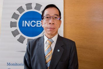 国际麻醉品管制局主席威罗·苏眉(Viroj Sumyai)。