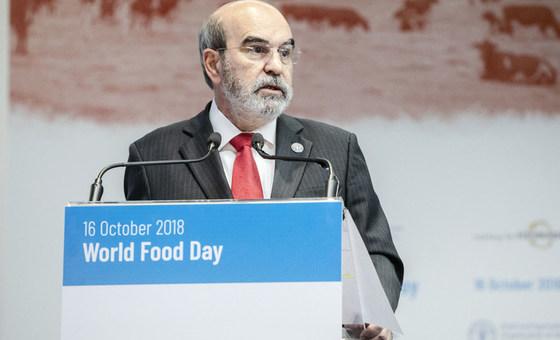 粮农组织总干事若泽·格拉齐亚诺·达席尔瓦在意大利罗马粮农组织总部举行的世界粮食日纪念活动上发表讲话。(2018年10月16日)