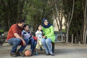Ahmed na Rasha Salah na watoto wao Mohamed na Raghad wakifurahia mapumziko yao katika Bustani mjini Cairo Misri.