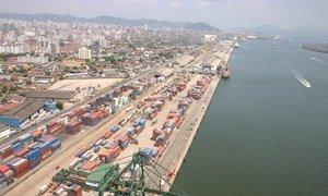 No Brasil, a economia deve crescer 4,5% em 2021