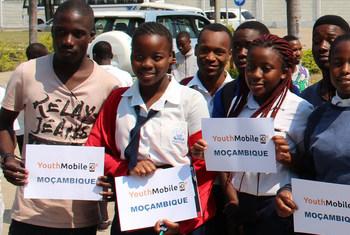 Participantes do projeto Youth Mobile em Moçambique