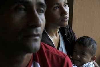 Família venezuelana no Peru