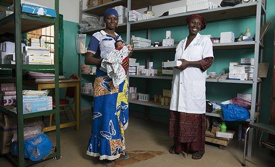 Acnur quer garantir que refugiados e comunidades locais tenham acesso a cuidados de saúde essenciais.