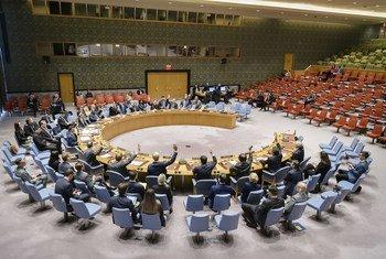 مجلس الأمن يتبنى القرار 2439 بشأن تفشى مرض الإيبولا في جمهورية الكنغو الديمقراطية.