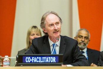 Geir O. Pedersen lors d'une conférence sur le financement du développement en octobre 2014.