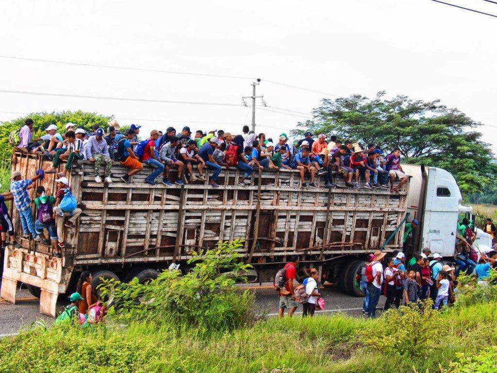ARCHIVO La caravana de migrantes centroamericanos pasa por Chiapas, México.