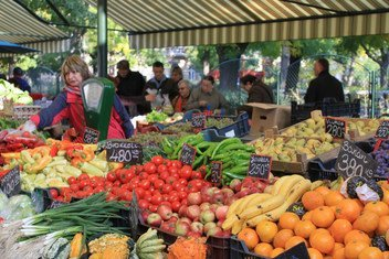 Fruit and vegetables farmers' market in Budapest, Hungary. (file)
