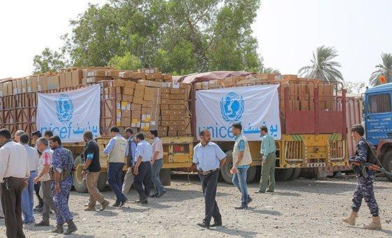 Intensos combates dentro e nos arredores da cidade portuária de Hodeida atrasaram a entrega de carregamentos humanitários e comerciais.