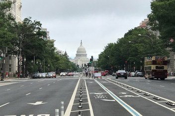 Вид на здание Конгресса США в Вашингтоне