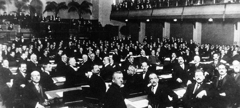 Sesión inaugural de la Sociedad de las Naciones