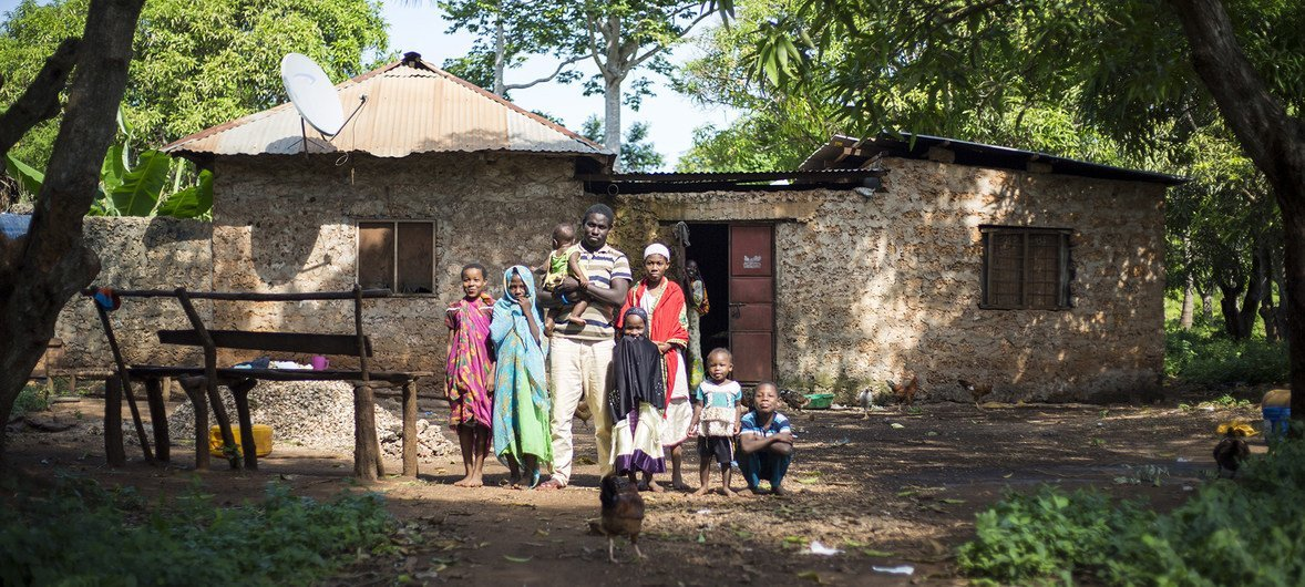 Kombo Asumani Kombu and his family, attended a UNHCR workshop in Shimoni, Kenya to share their experience of statelessness. (June 2017)
