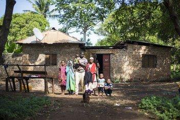 Kombo Asuman Kombo na familia yake, alihudhuria warsha ya kutokuwa na utaifa