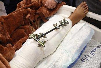 加沙最大的希法医院里的巴勒斯坦伤员。