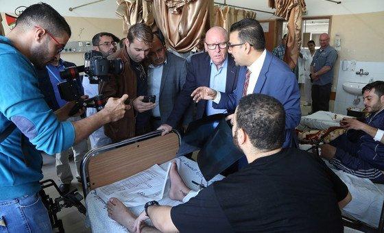 联合国被占巴勒斯坦领土人道主义协调员麦戈德里克于11月7日访问了加沙最大的希法医院。