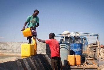 沙坝为索马里受到干旱影响的部分地区提供了可靠的水源。