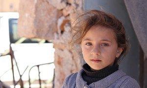 Menina em abrigo na aldeia de Zeyarah, a norte de Alepo.