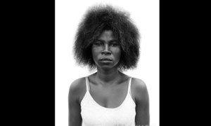Therese Mandaka, na série de retratos revelam o poder e a dor de mulheres congolesas exiladas em Angola