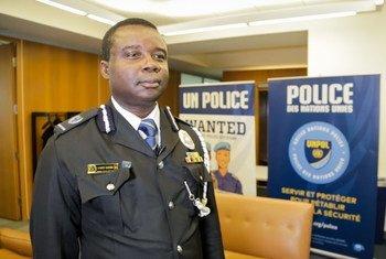 Vence Gariba, Comissário da Polícia do Uniogbis