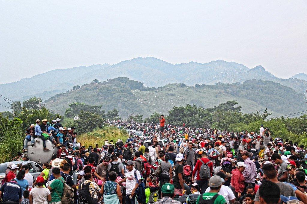 2018年11月,来自中美洲的移民大军试图通过墨西哥前往美国。