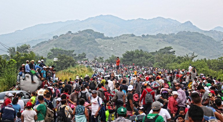 Los gobiernos han de proteger los derechos humanos de los integrantes de caravanas